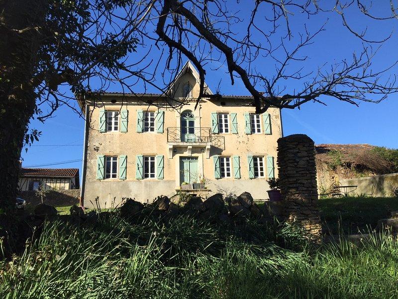 1 chambre d'hôtes avec vue sur Toscane Occitane, aluguéis de temporada em Salies-du-Salat