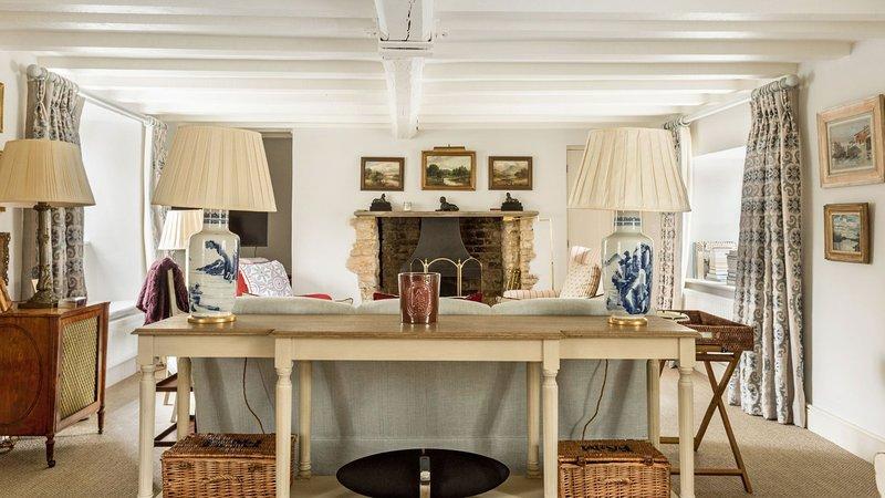 Luxury Family Cottage near Charlbury, Ferienwohnung in Ramsden