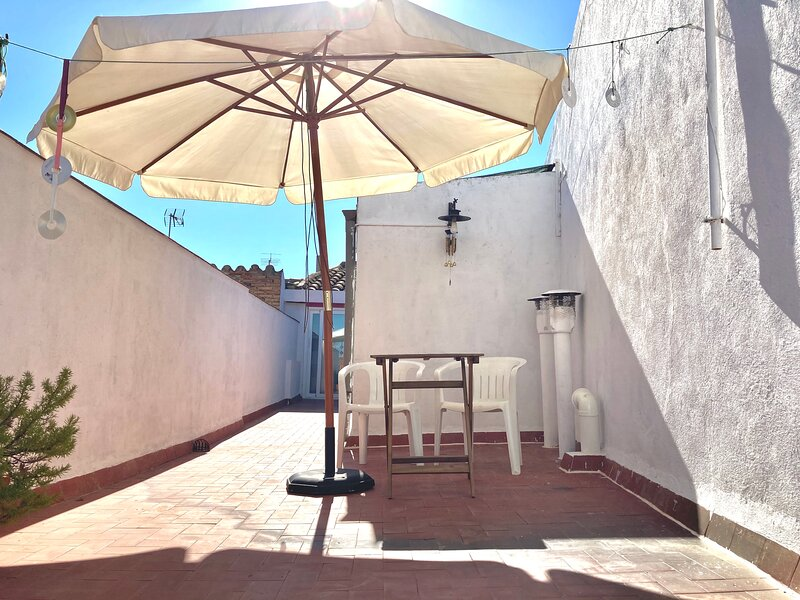 Alojamiento Casa Taller Penelles, holiday rental in Tarrega