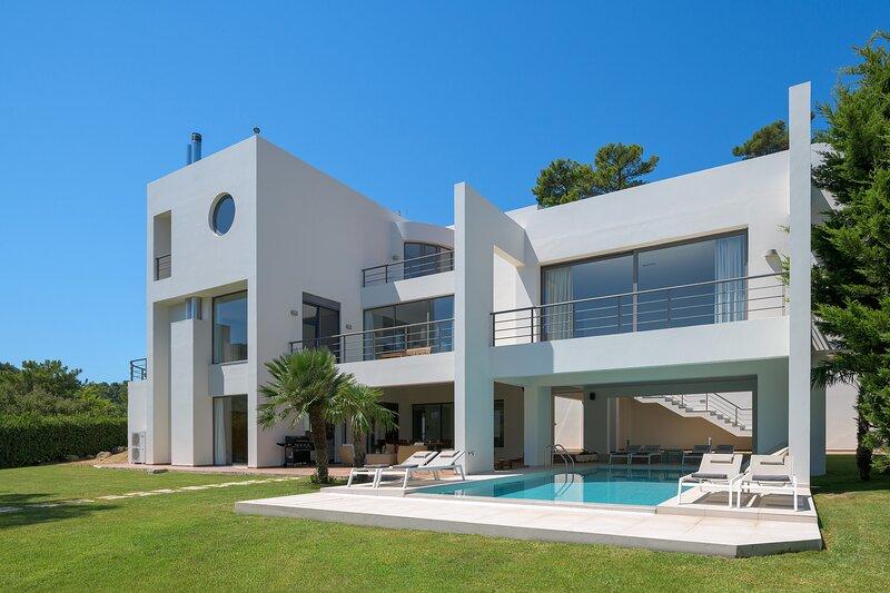 Ixian Hilltop Villa, holiday rental in Ialysos