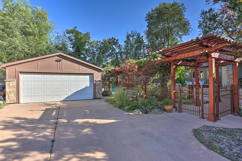 The pergola leads you right up to the front door.