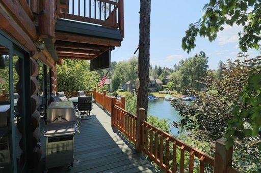 Queen Suite at the Inn on Bigfork Bay, holiday rental in Woods Bay