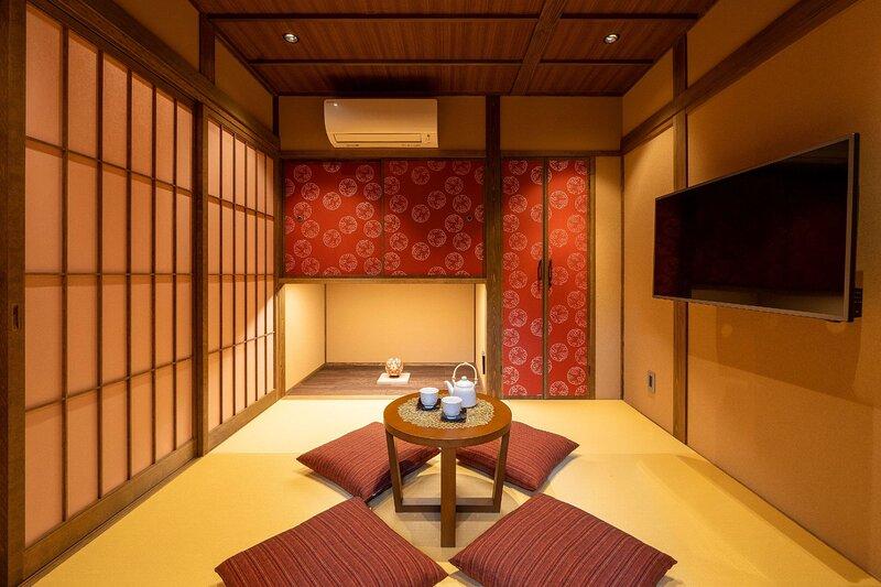 Traditional + Art Installation /Near Higashi Chaya, holiday rental in Chubu