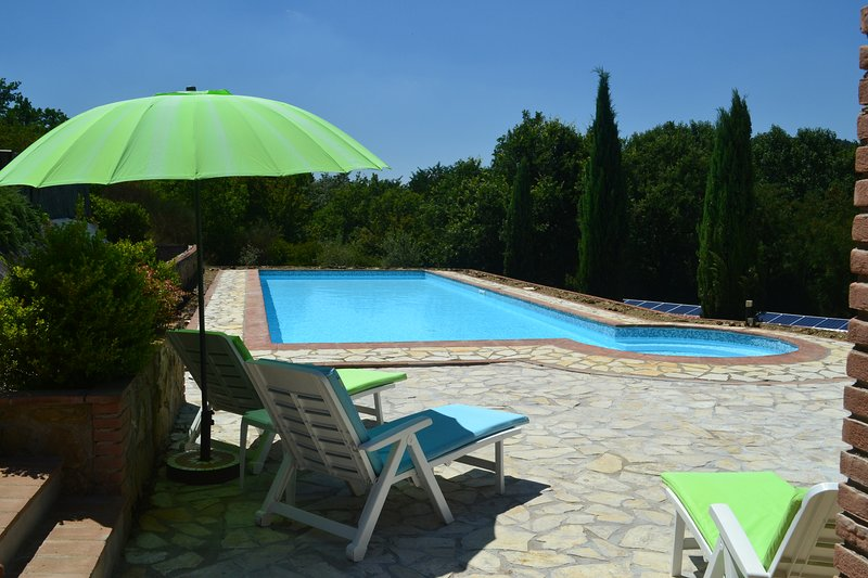 Casa Nestore Holiday Apartment Fico, vacation rental in Colle San Paolo