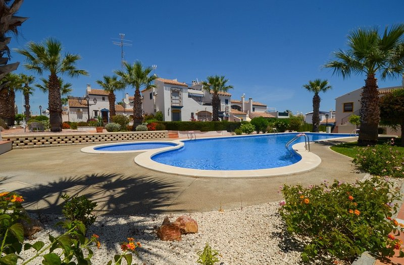 Centrally located apartment, holiday rental in Los Dolses