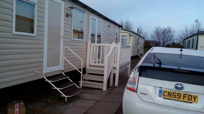 3 Bedroom 2 Bathroom Prestige Caravan, location de vacances à Ffynnongroyw