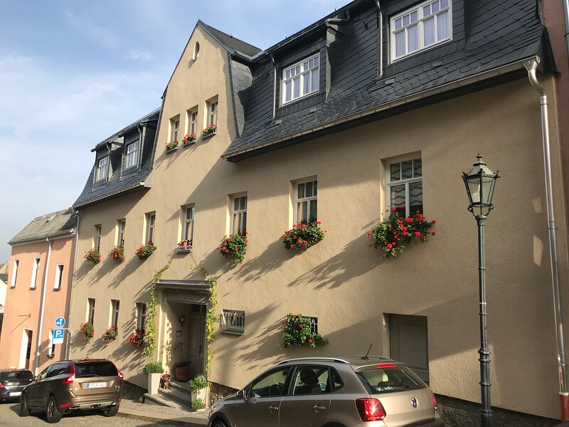 K5-Suites in der Altstadt Annaberg-Buchholz 'Suite Sehmatal' (48 qm), location de vacances à Marienberg