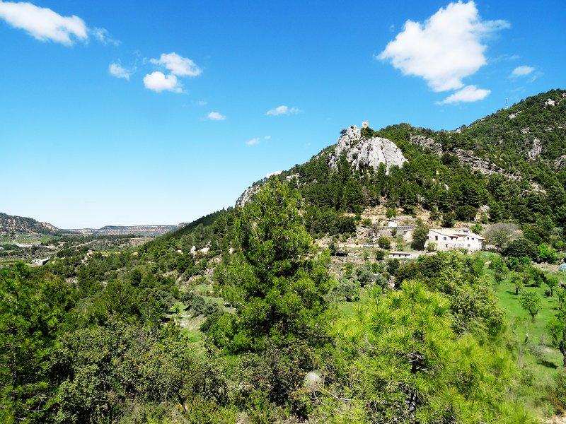 Prachtig appartement in de bergen en dicht bij het dorp, vacation rental in Matarranya