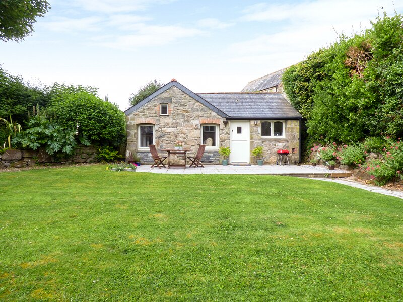 THE COTTAGE, countryside location, close to coast, near Newquay, ref 956968, location de vacances à Indian Queens