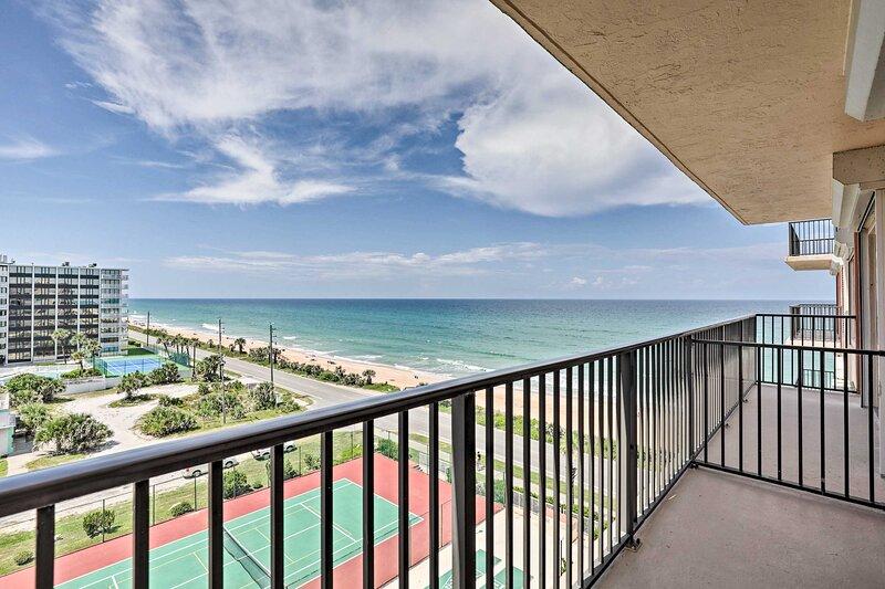 NEW! Flagler Beach Retreat w/ Pool & Ocean Views!, alquiler de vacaciones en Flagler Beach