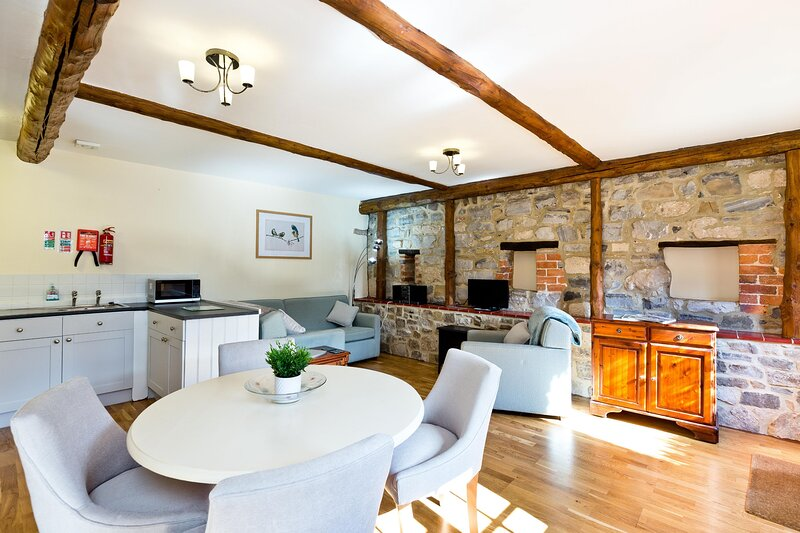 Wisels Cottage In Rural Derbyshire Dales Location, vacation rental in Hulland Ward