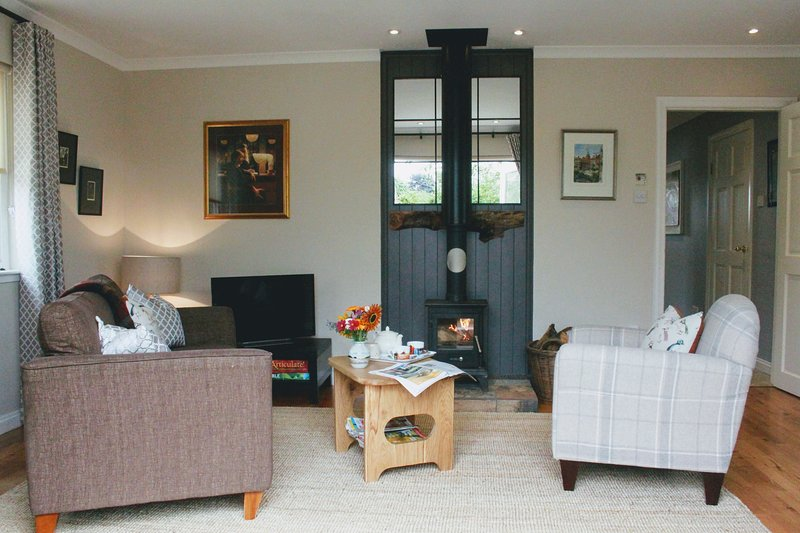 Pretty and Peaceful Farmhouse Cottage, vacation rental in Chirnside