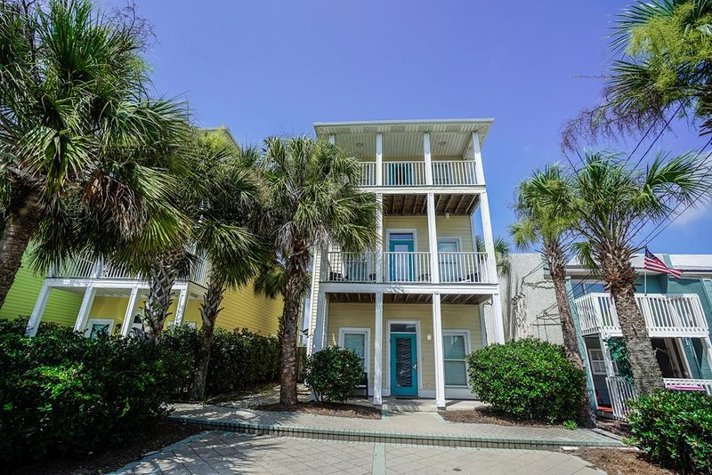 Beach House - Shore Beats Workin   Private Pool   3 Stories   Pet Friendly!, vacation rental in Upper Grand Lagoon