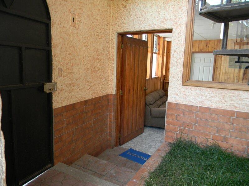 Low Budnet 2 bedrooms apt 3, holiday rental in Quetzaltenango