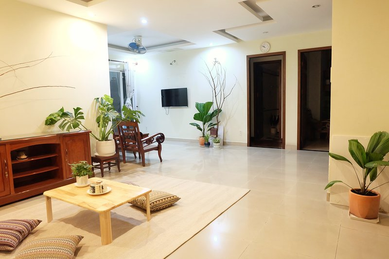Hommie Homestay - Green & Minimalist Home - An Khang Service Apartment D2 HCM, holiday rental in Ho Chi Minh City