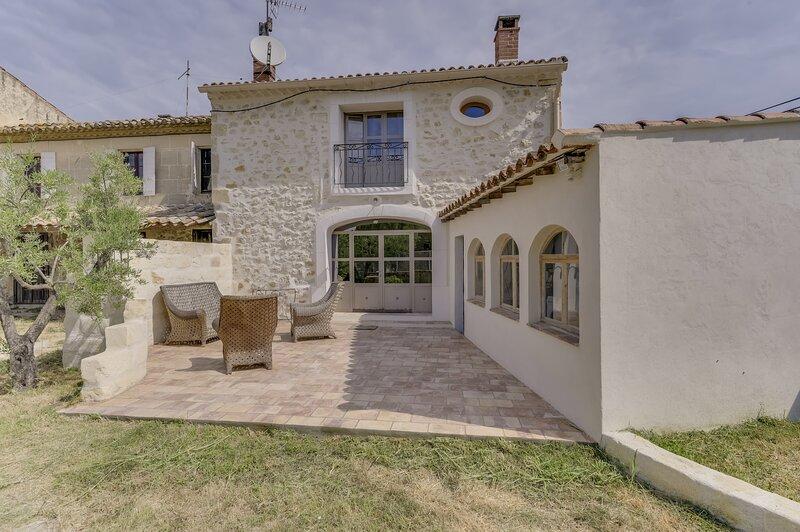 Garrigue - Maison avec jardin - Boulbon, holiday rental in Vallabregues