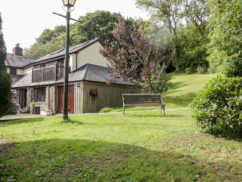 Penrose Cottage, Launceston, vacation rental in Brazzacott