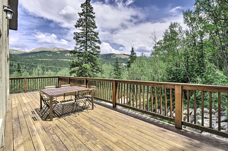 NEW! Private Mtn. Home: Skiing, Fishing, & Hiking!, holiday rental in Alma