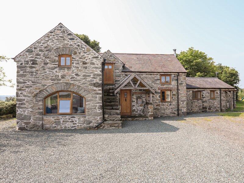 Ty Cerrig, Llanfairpwllgwyngyll, vacation rental in Gaerwen