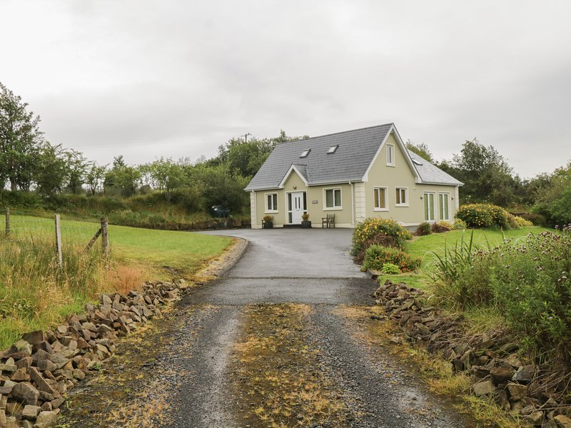 Patrick Joseph House, Donegal Town, County Donegal, vacation rental in Laghy