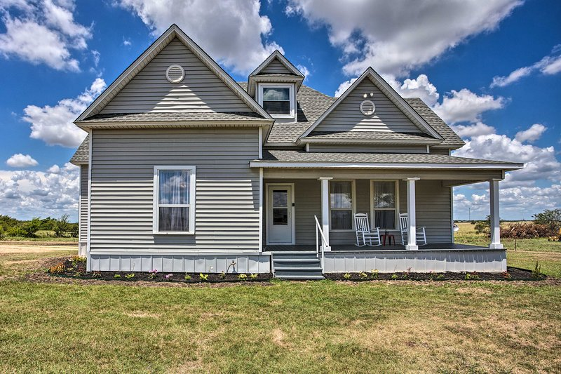 NEW! Modern Decatur Farmhouse Getaway w/Large Yard, location de vacances à Rhome