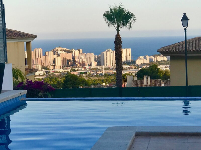 Dernière Minute 40% Villa Isla Benidorm, holiday rental in Finestrat