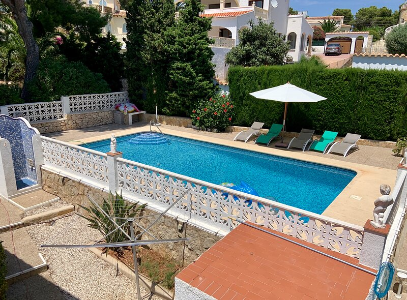 Charming villa with private pool and playground, Ferienwohnung in Javea