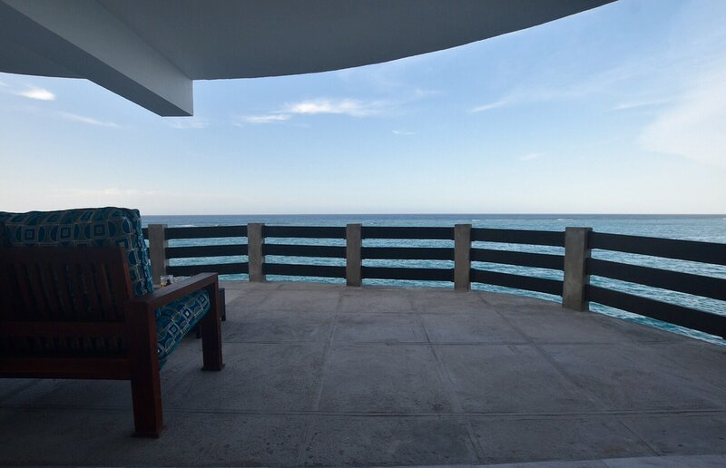 Ocean Lovers Paradise Rented as a One/Two bedroom Apt!, holiday rental in Tower Isle