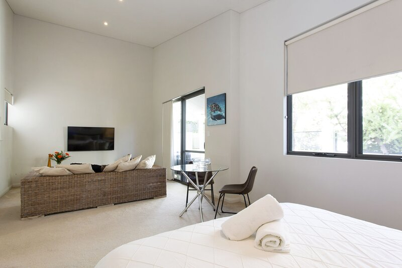 Luxury Modern Escapia, vacation rental in South Fremantle