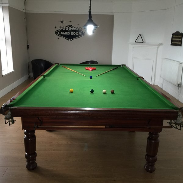 The Old Post Office - Games / Gym Room Great for Families, location de vacances à Clydach