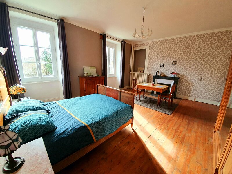 Manoir de Messeix, holiday rental in Margerides