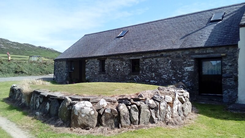 The Barn, Treleidir farm Coastal Cottages, location de vacances à St. Davids