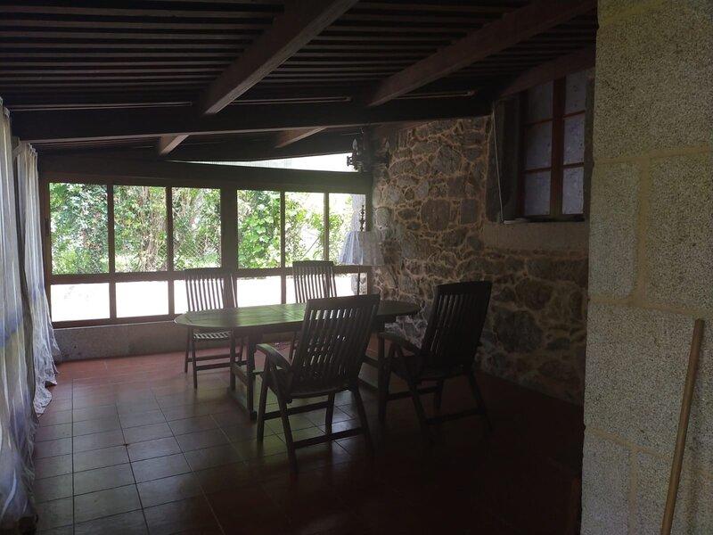 House - 3 Bedrooms - 108582, alquiler vacacional en A Estrada