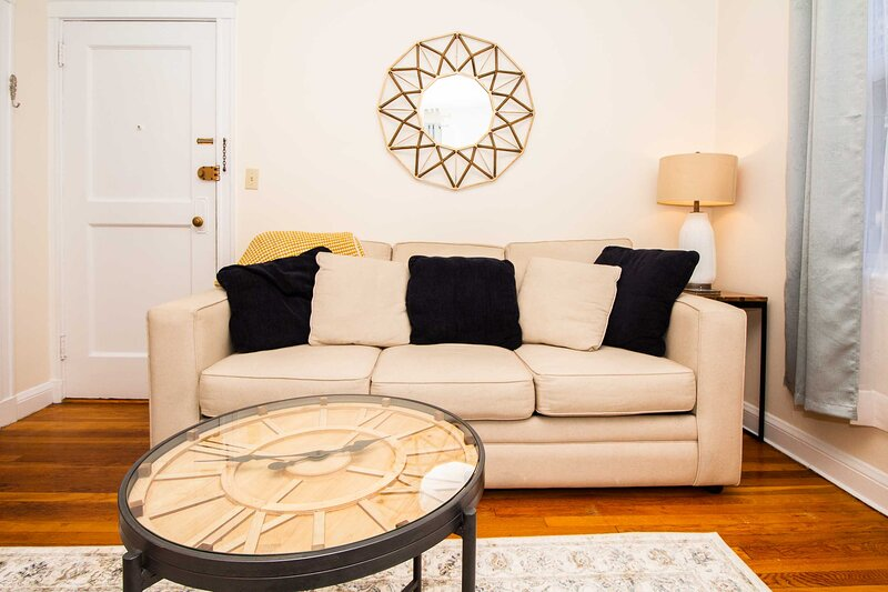 Longwood Medical Condominium, holiday rental in Boston