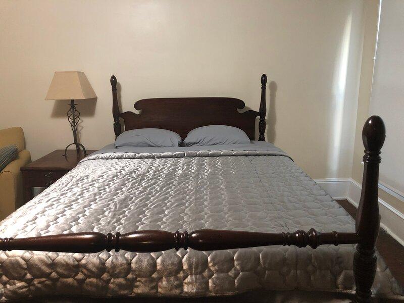 Brick House Retreat (room K), casa vacanza a Hamlet