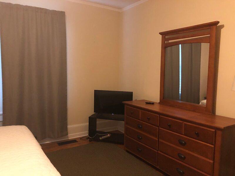 Brick House retreat (Room V), holiday rental in Hamlet