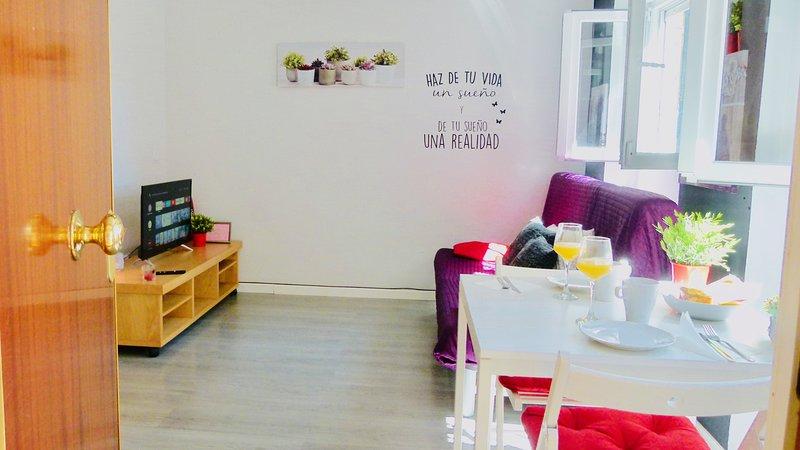 ¡Precioso apartamento a 12 minutos del centro!, location de vacances à Vaciamadrid