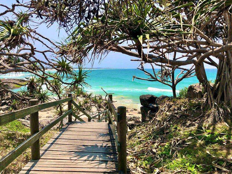 CABARITA BEACH - XL 2BED 3POOLS+SPA-BEACH LOCATION, holiday rental in Duranbah