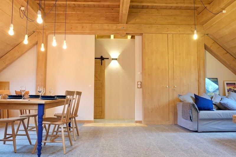 L'Alpage de la Bergerie, apartment in a cosy farmhouse !, location de vacances à Argonay
