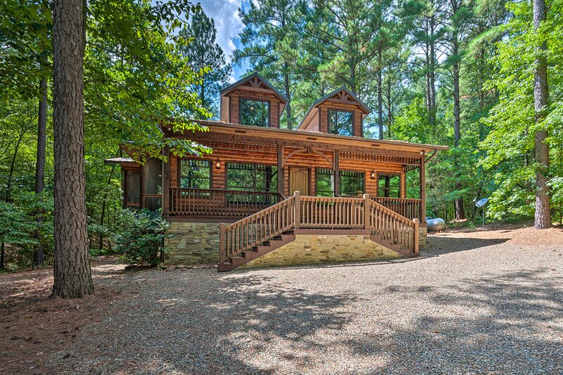 This luxury vacation rental is ideal for a romantic couples retreat.
