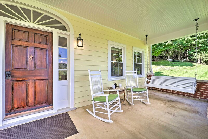 NEW! Family-Friendly Retreat: Enjoy Year-Round Fun, holiday rental in Glade Spring