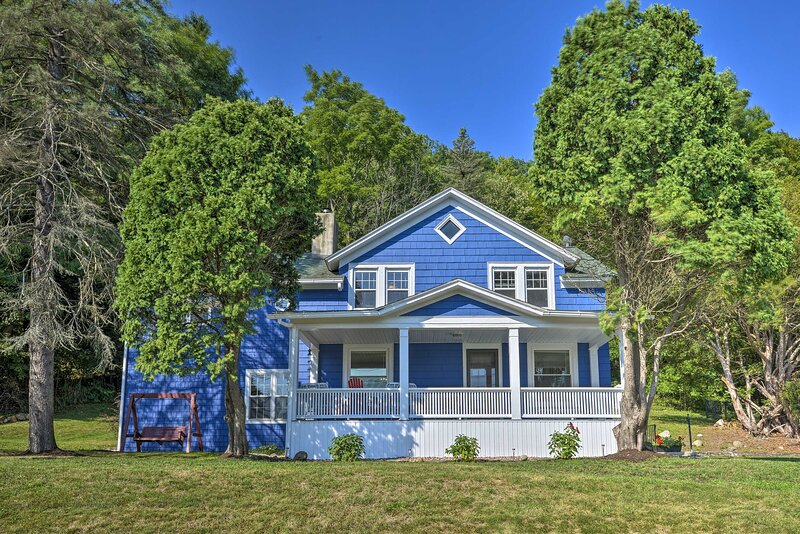 NEW! Spacious Home: 2 Mi to Seneca Lake & Wineries, vacation rental in Elmira