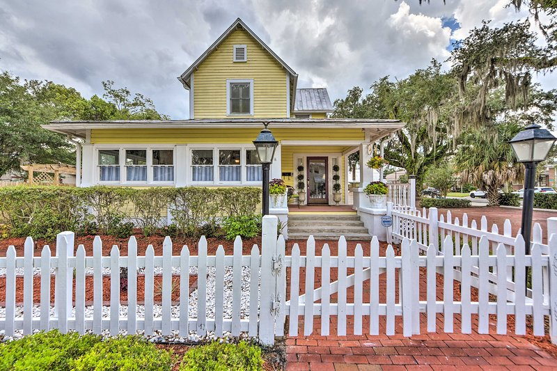 NEW! Charming Historic Home - Walk to Waterfront!, holiday rental in Green Cove Springs
