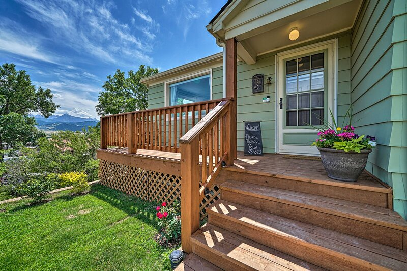 NEW! Yellowstone Country Family Home w/Deck & View, vacation rental in Clyde Park