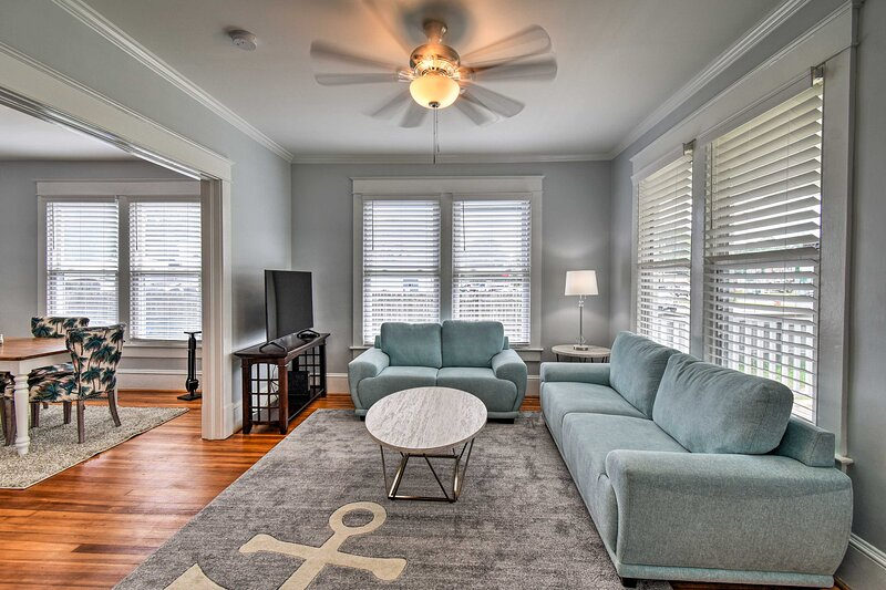 NEW! Norfolk Home, Walk to Dining - 1 Mi to Beach!, vacation rental in Chesapeake