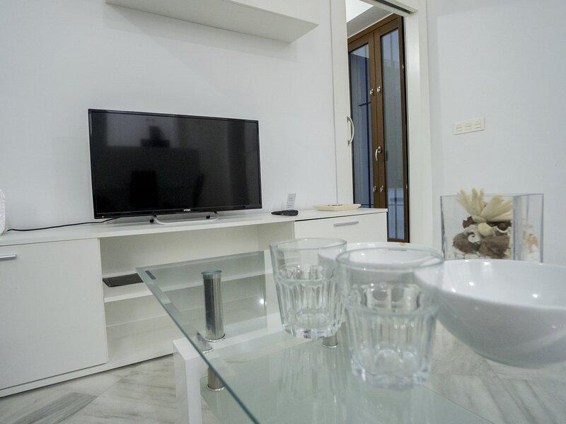 RentalSevilla Elegant apartment next to the Cathedral, holiday rental in La Campana