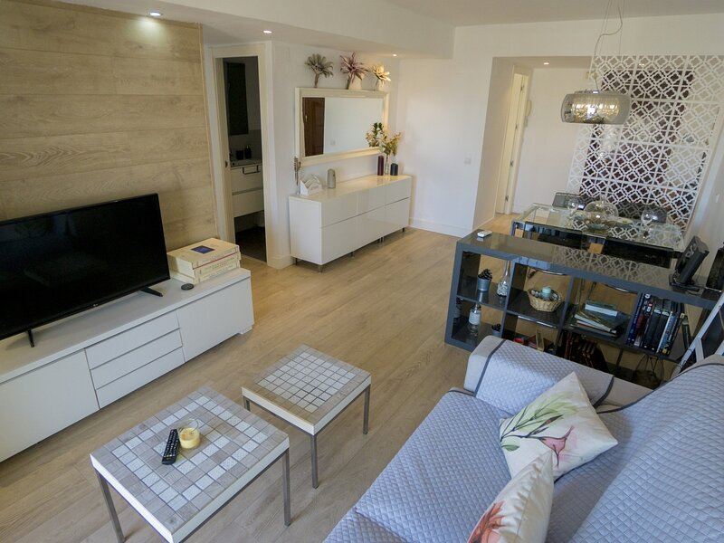 RentalSevilla Modern apartment with terrace in Triana, vacation rental in Mairena del Aljarafe