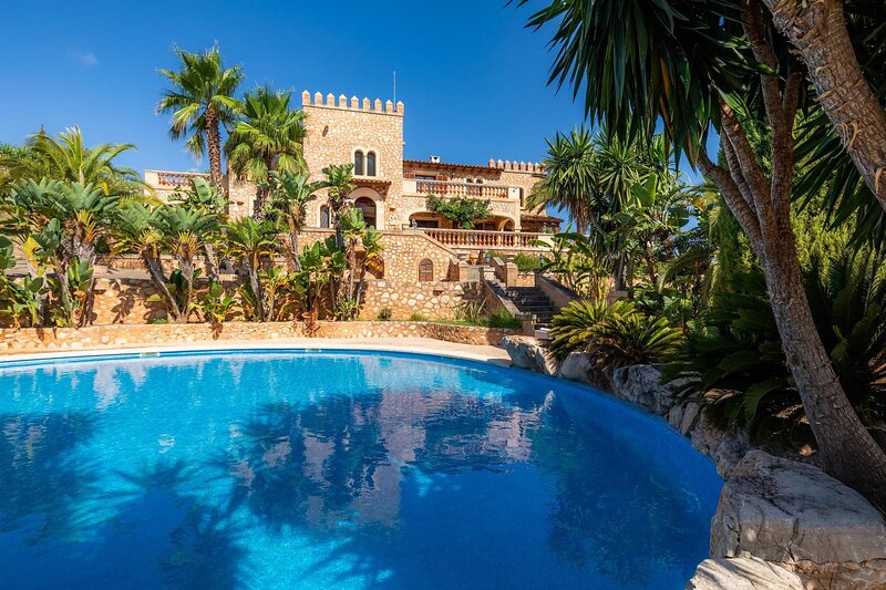 Es Castell de's Fetget Pool and views, vacation rental in Son Servera