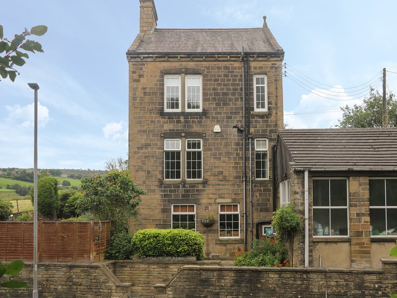 The Stone Masons House , Oakworth, location de vacances à Oldfield