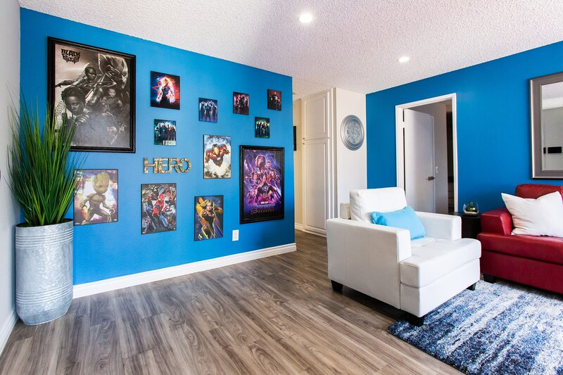 ♣ Budget Friendly ♣ MARVEL-ous ♣ 2 King Suites ♣, casa vacanza a Buena Park